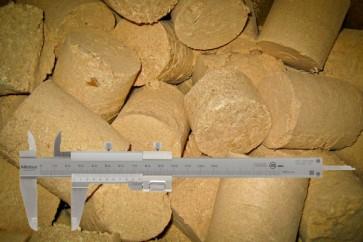 Analyse VIII - Holzbriketts nach Wassergehalt, Aschegehalt